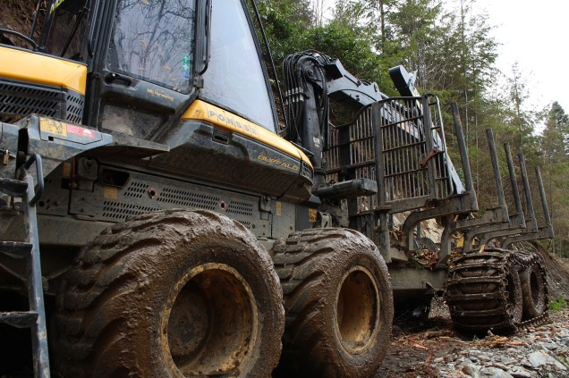 timber-harvester-3790865_1280